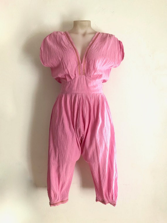 CUE!!! Vintage 1980s 'Cue Design' pink cheesecloth