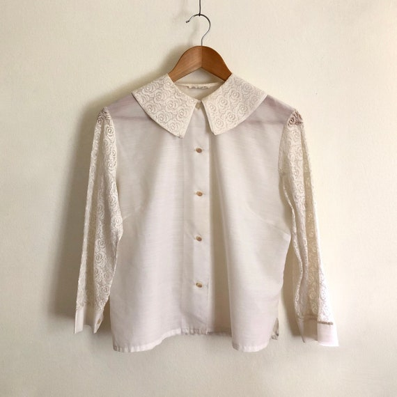 Vintage 1960s 'Unice' white blouse with lace sleev