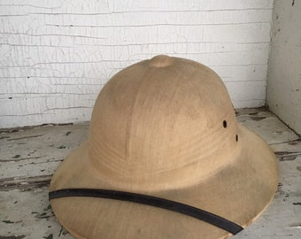 daee52177d00c Pith Helmet Khaki - Army Khaki Bush Hat - Military Helmet - Jungle Hard Hat  - Bee Keepers Hat - Safari Headgear - Theatre Costume Jungle Hat