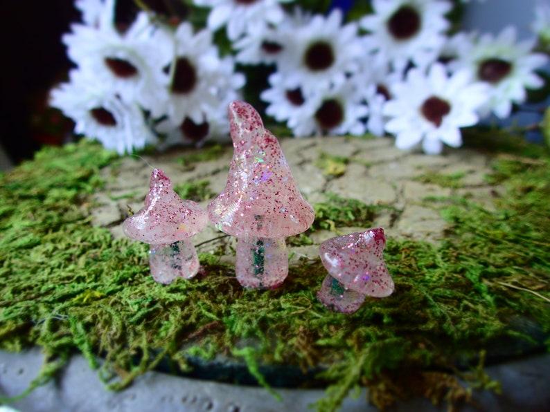 Resin Mushroom Toadstools Miniature Fairy Garden Terrarium Figurine Dollhouse UK