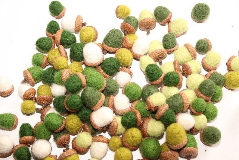felt acorns Acorns dark green hand felted