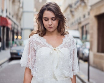 wedding Capelet - chantilly  lace - ivory