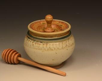 Liitrton Handmade Ceramic Honey Pot with Wooden Dipper Sugar Storage Pot Container Housewarming Gift