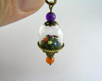 Miniature world pendant, miniature little garden with tiny little flowers and bushes under a glass dome