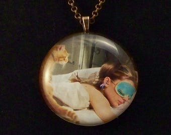Holly Golightly Sleeps with Cat Glass Necklace on Long Chain