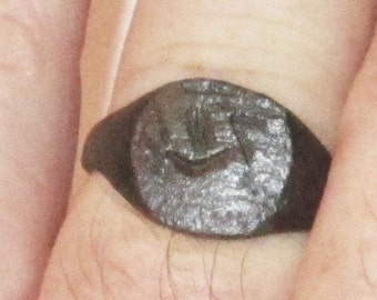 Ancient Running Bird Bronze Ring from Medieval Northern Europe from the 12th. to 16th. C. in size 9