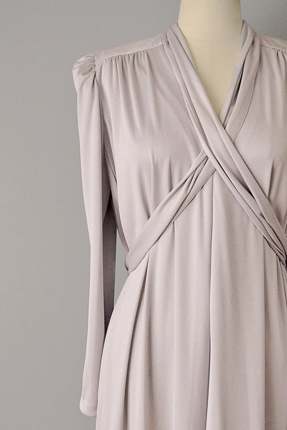 70s Dress // 1970s Lucie Ann Pearl Grey Jersey Ca… - image 2