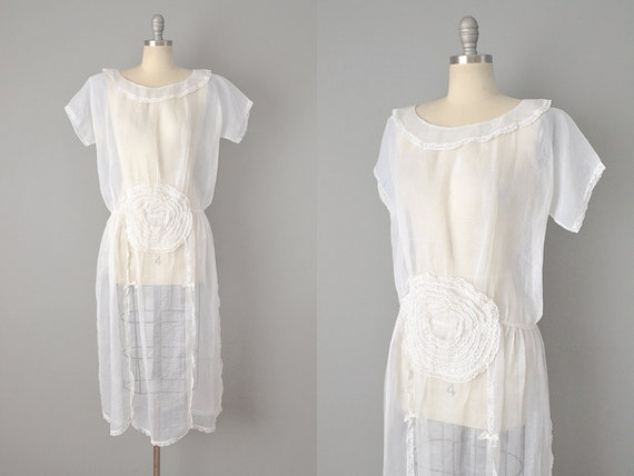 Early Teens Embellished White Organdy Dress // Siz