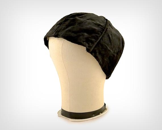20s Hat // 1920's Black Silk Velvet Cloche w/ Orga