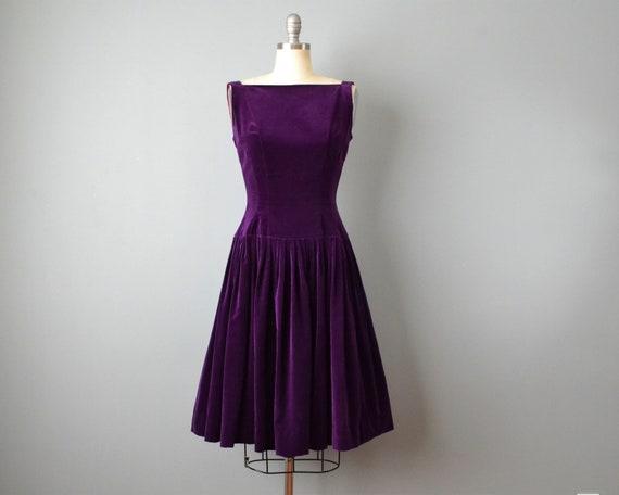 1950s Purple Velvet Dress / Cocktail Dress / 50s V