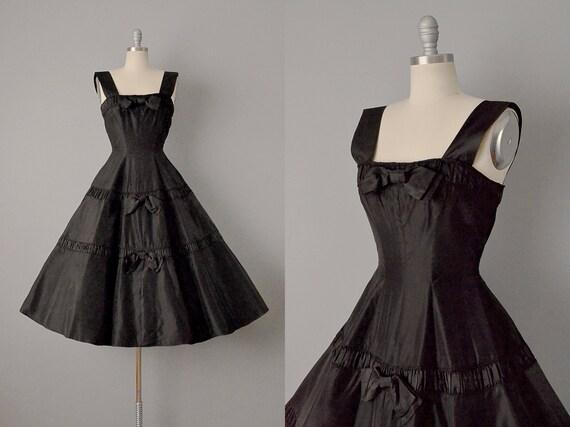50er Jahre Kleid 1950 Jonathan Logan schwarz Seide Taft Cocktailkleid XS Vintage auf Verkauf