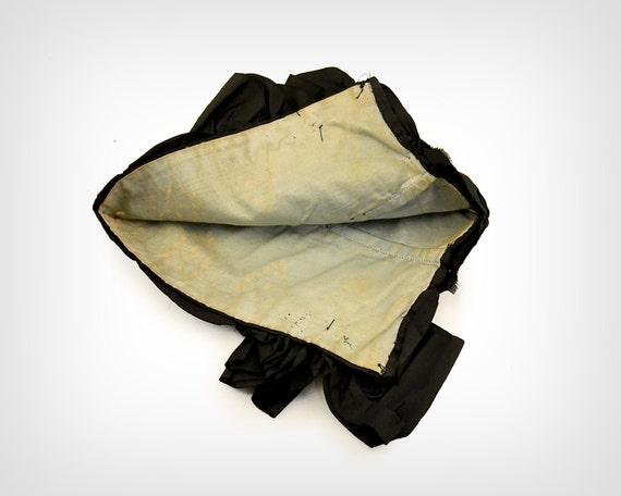 1800s Hat // Victorian Black Silk Bonnet w/ Eyele… - image 4