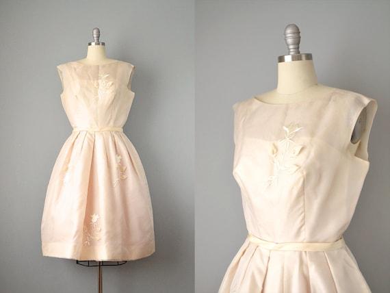 1950's Organdy Dress w/ Embroidery & Appliqué / Si