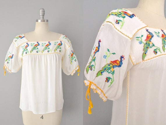 1940s Mexican Peacock Embroidered Peasant Blouse /