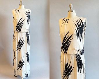 1960s Maxi Dress / black & White Dress / Abstract Print Dress / Linen Dress / Size Medium