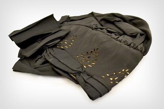 1800s Hat // Victorian Black Silk Bonnet w/ Eyele… - image 5