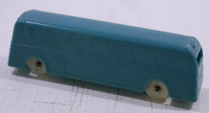 Free Shipping Domestic USA Vintage F /& F Die Mold Plastic Cereal Premium Blue Greyhound Bus