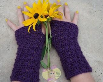 Instant Download- Crochet Pattern- Bonnie Bell Wrist Warmers