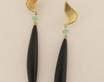 Ebony earrings ''BATTITO D'ALI'' (wingsbeat) FREE shipping . large earrings - ebony . emerald - brancusi - sculpture