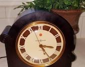Vintage Electric Art Deco Clock Bakelite Works Great Grafton General Electric 1941