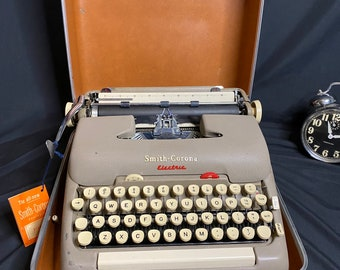 Vintage Smith Corona Typewriter Black Gloss Flat Top Working!
