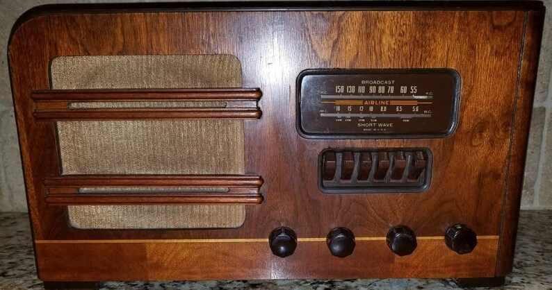 Vintage Airline Shortwave Radio Mid Century Design Works Great!