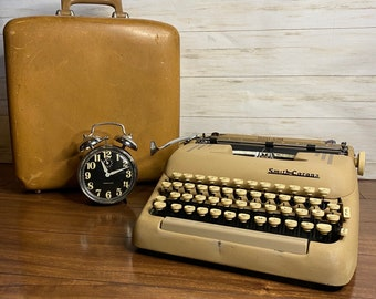 Vintage Smith Corona Silent Super Typewriter from the 1950s Working