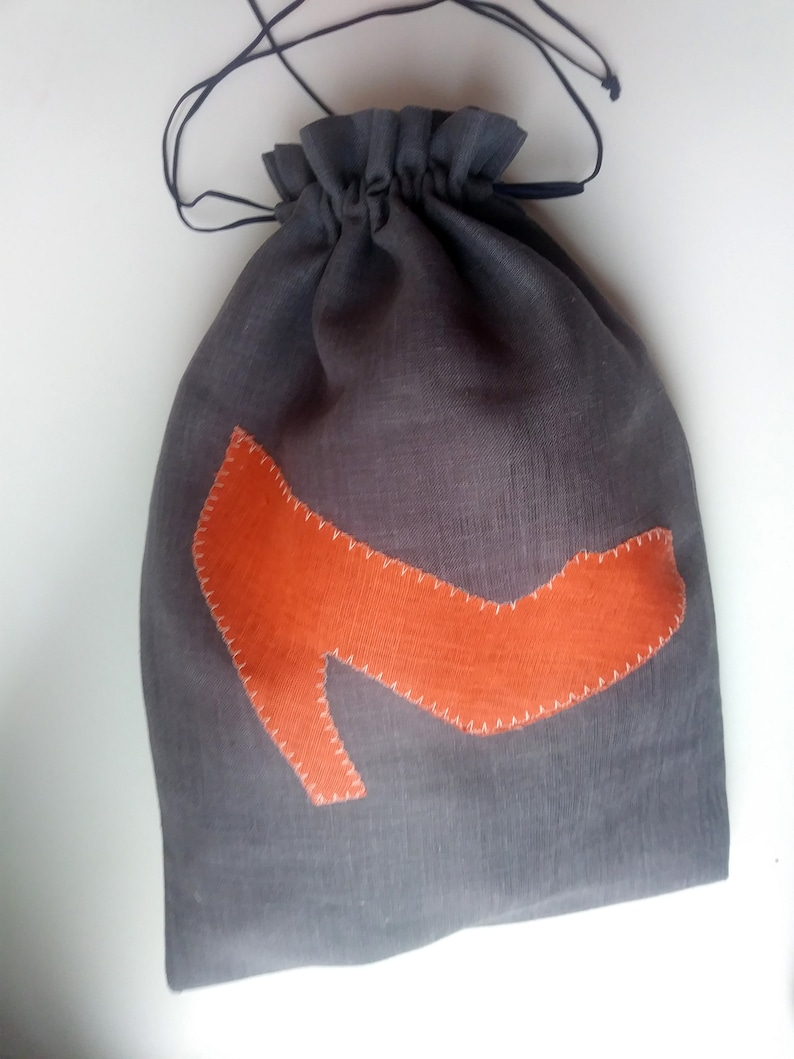 \u2013 Choose the design Linen Shoe Bag with blue or orange flip-flops or high heels Travel Shoe Bag
