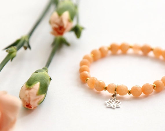 "Bracelet ""bali"" gemstones and lotus charm, handmade in Montreal"