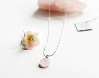 Rose quartz necklace, a stone for the heart