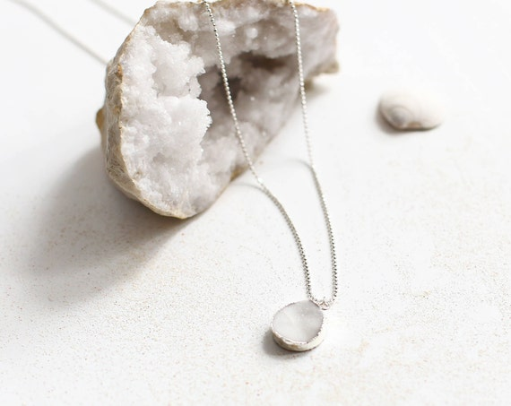 Crystal stone necklace, a stone for protection