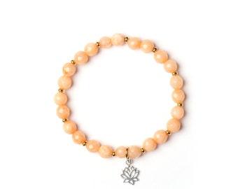 """Bracelet """"bali"""" gemstones and lotus charm, handmade in Montreal"""