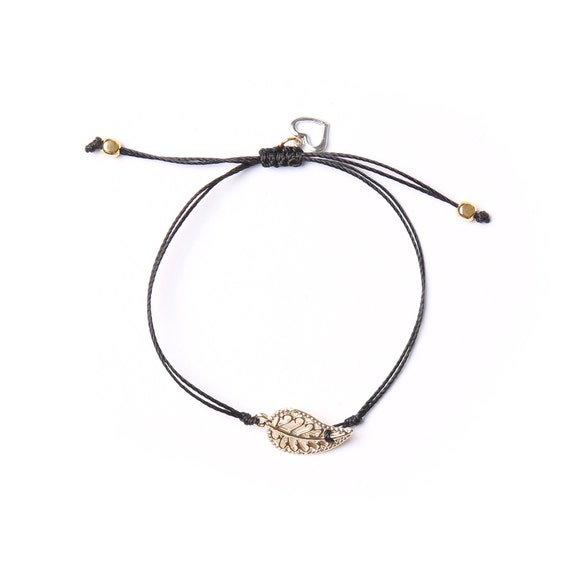 "Delicate gold leaf ""mia"" bracelet on a nylon thread handmade in Montreal"