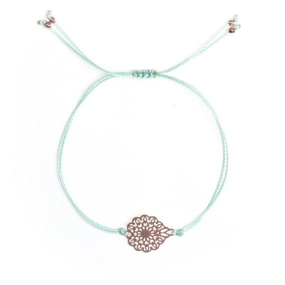 Flower bracelet handmade in Montreal