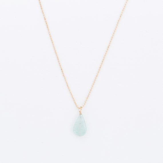 Turquoise quartz necklace with Gold-plated chain : a stone for the heart