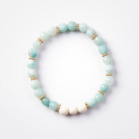 "Bracelet ""maui"" amazonite and wood on elastic thread handmade in Montreal"
