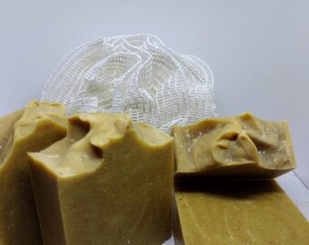 Tumeric, Ginger & Honey. Scented with Basil and lime essential oil.