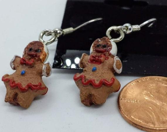 Sugar Plums Christmas Earrings - Small Ginger Girl