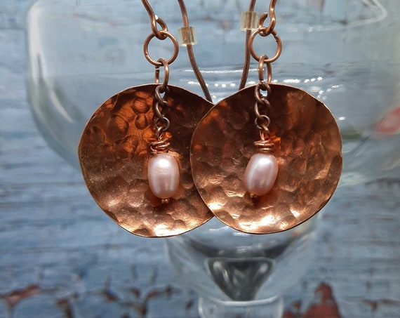 Copper 'shell' and pearl earrings - Venus!