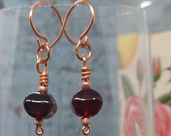 Delightful Garnet Pillow earrings - Copper