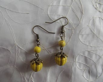 EARRINGS BRONZE AND PUMPKINS AND YELLOW HOWLITE BEADS