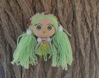 Chibi kawaii doll, robe verte et son petit ours