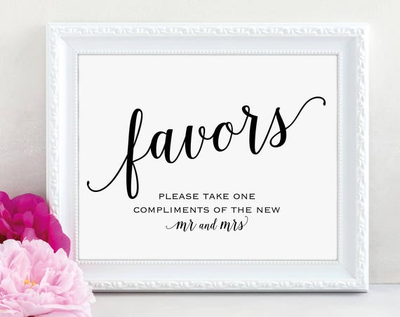 Wedding Favor Sign, Mr and Mrs, Favors Sign, Wedding Favor Printable, Wedding Printable, Wedding Template, PDF Instant Download, MM01-1