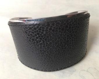Henri Bendel Bracelet -  Cuff, Leather , Signed - Retro - Vintage -Fabulous & Very Versatile / couture style