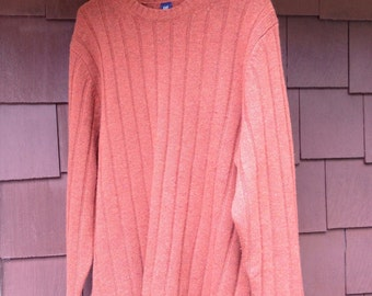 Men's wool pullover size xl.