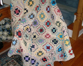 Off-white Granny Squares Crochet Afghan