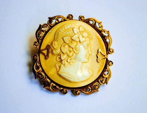 CELLULOID. Antique French Brooch