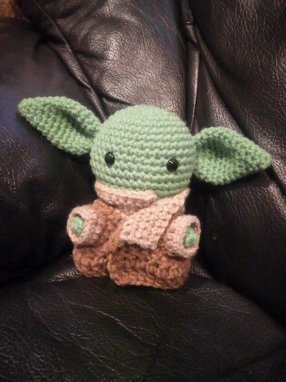 FREE AMIGURUMI PATTERN: Star Wars Yoda | Star wars crochet ... | 760x570