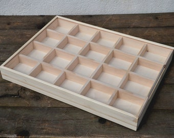 Module wooden compartments for minerals, with sliding perspex lid