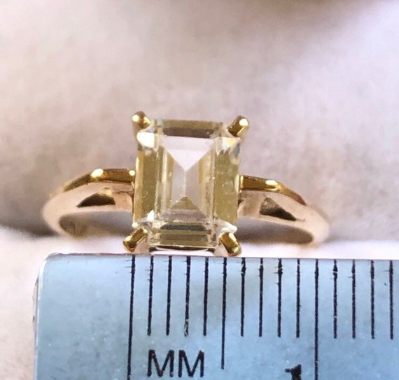 10K Yellow Gold Solitaire Ring - image 5
